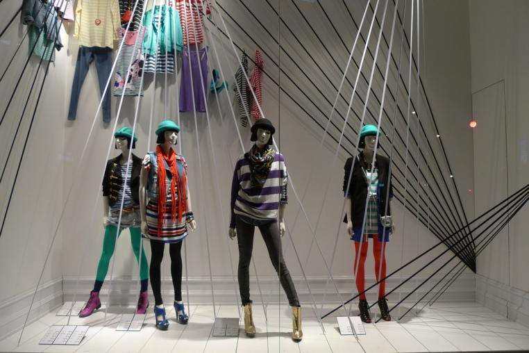 Vitrine H&M - Paris, 2010 (Foto: Journal des Vitrines)