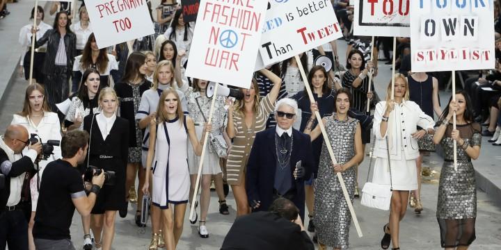 Desfile Chanel em forma de protesto